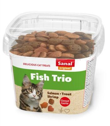 Sanal cat fish trio snacks cup (75 GR)